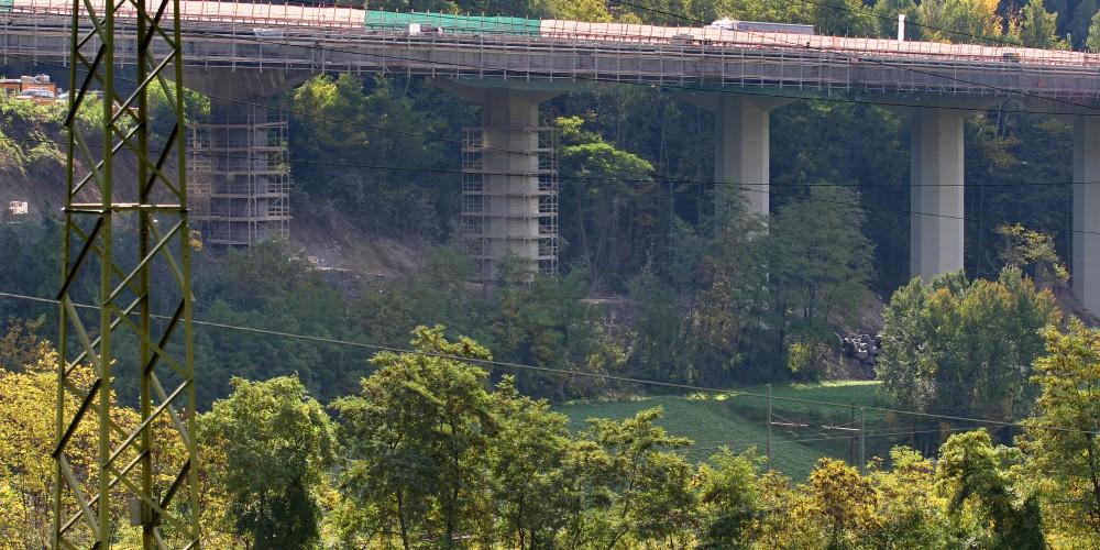 Brueckengeruest der FEIG-Gerueste-GmbH an der Brenner Autobahn.