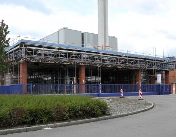 FEIG-Gerueste-GmbH garantiert Sicherheit für Arbeiten auf Dach mit dem entsprechenden Geruest.