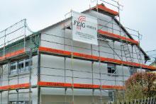 Fassadengeruest der Firma FEIG-Gerueste-GmbH fuer private Bauvorhaben.