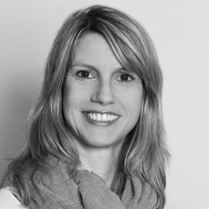 Carolin Feig kuemmert sich um Loehne und Gehaelter in der FEIG-Gerueste-GmbH.