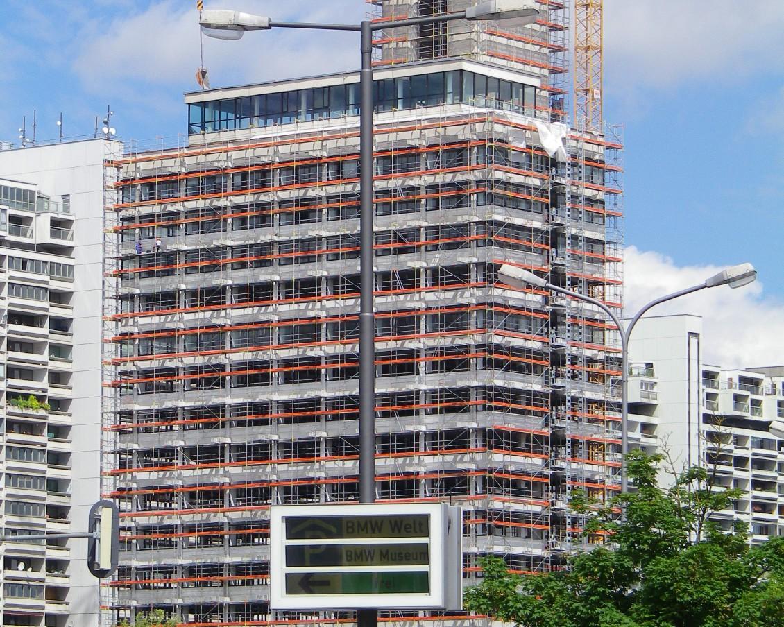Sicherheit am Arbeitsplatz hat fuer die FEIG-Gerueste-GmbH hoechsten Stellenwert. Auch die Arbeiten am Olympiatower in Muenchen waren gut betreut.