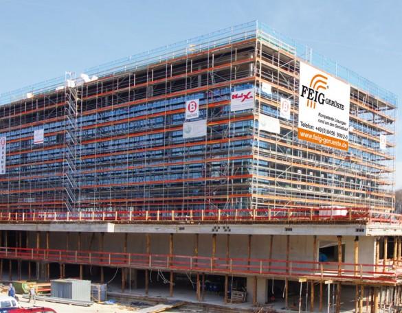 Bei Arbeiten an der Fassade kann man sich auf die FEIG-Gerueste-GmbH verlassen.